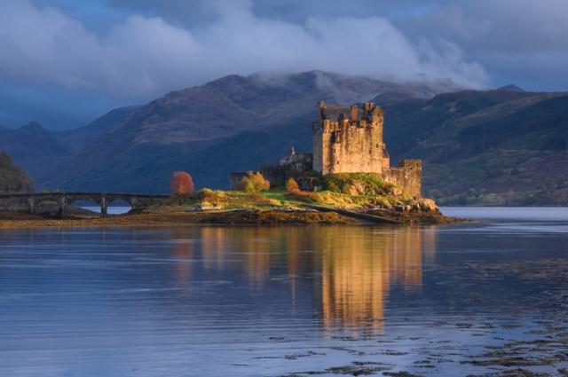 Dornie, view of the castle, Eilean Donan Castle